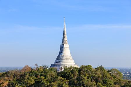 wang: Pagoda on mountain top at Khao Wang Palace, Petchaburi, Thailand