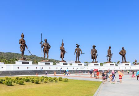 hua hin: Hua Hin, Thailand - December 27, 2015: Seven statues of Thai great kings at Ratchapak park. Editorial