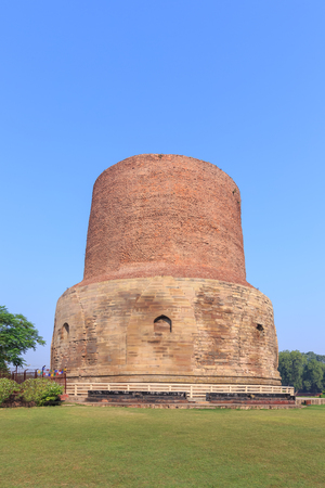 sarnath: Dhamekh Stupa at Sarnath, Varanasi, India. Stock Photo