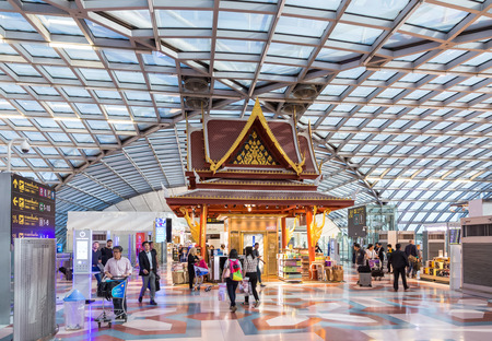 samut prakan: Samut Prakan, Thailand - December 01, 2016: Departure hall at Suvarnabhumi Airport. This is one of the busiest airport in the world. Editorial