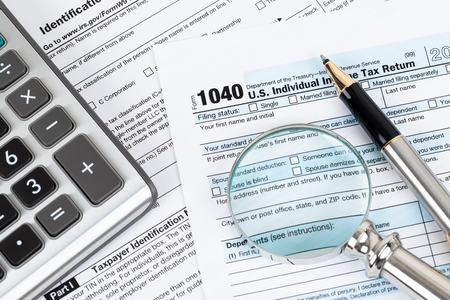 Formulario de devolución del impuesto sobre la renta individual por parte del IRS, concepto de tributación