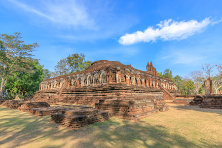 Wat Chang Rob temple in Kamphaeng Phet Historical Park