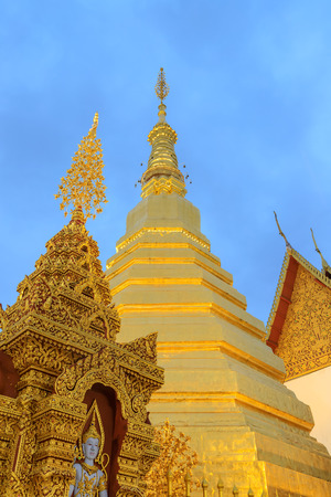 Golden pagoda for year of tiger at  Wat Prathat Cho Hae Temple in Phrae province, north of Thailand 免版税图像