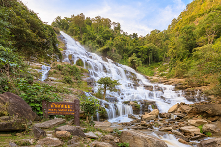 Mae Ya Waterfall, Doi Inthanon National Park, Chiang Mai, Thailand 스톡 콘텐츠