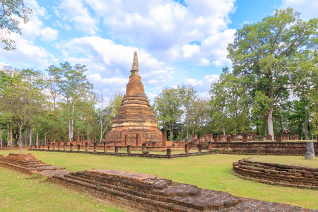 Wat Phra That temple in Kamphaeng Phet Historical Park Stock Photo