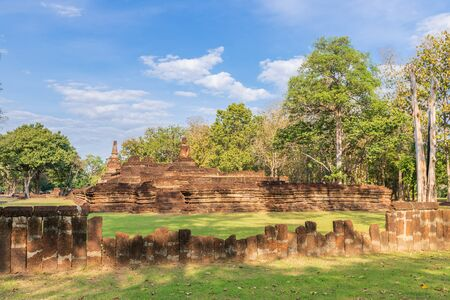 Wat Phra Kaeo temple in Kamphaeng Phet Historical Park Stock Photo