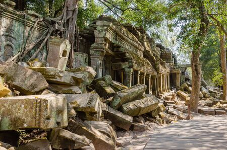 Ta Prohm Temple is The One Attractive Temple In Angkor Thom Area at Siem Reap Province, Cambodia. Foto de archivo - 150112081