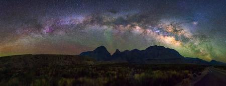 파노라마 빅 벤드 국립 공원, 텍사스 미국에서 밀키 방법. 별자리와 은하계