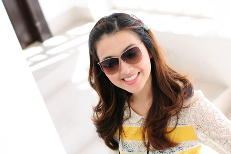 enjoy life: Portrait woman wear sun glass