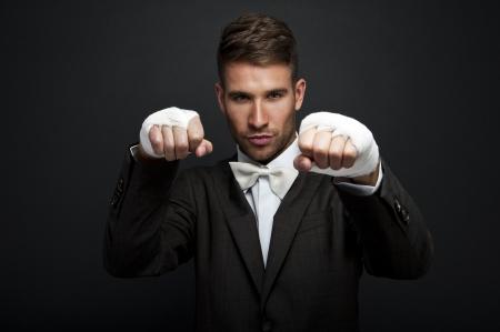 pugilist: Apuesto hombre de negocios boxeador