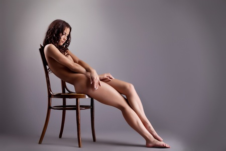 young nude girl: Perfekte nackte junge Frau lag auf weiß - schließen sich Lizenzfreie Bilder