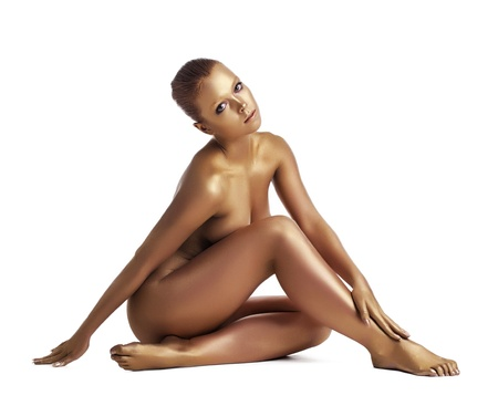 modelo desnuda: Increíble mujer con el cuerpo de pefect posar desnuda con la piel metálica de maquillaje