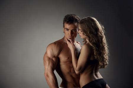 seins nus: Aimer fille admire mec chaud et il pose la caméra