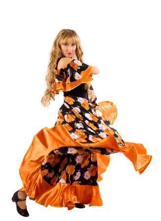 gitana: Danza madura de la belleza de la mujer en el traje de gitana