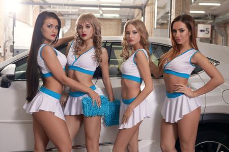 Modellen wassen auto bij carwah dienst