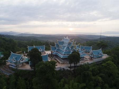 Wat Pa Phu Kon In Ubon Ratchathani, Thailand.Is een openbare tempel. In het midden van het bos is prachtig. En is populair bij toeristen.