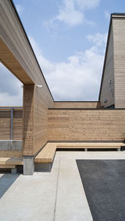externals: house