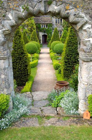 english garden: Garden Path