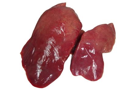 higado de pollo: hígado de pollo crudo aislados sobre fondo blanco Foto de archivo