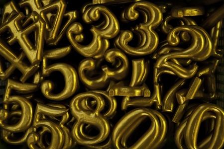 prinitng block: The wooden yellowish typing.