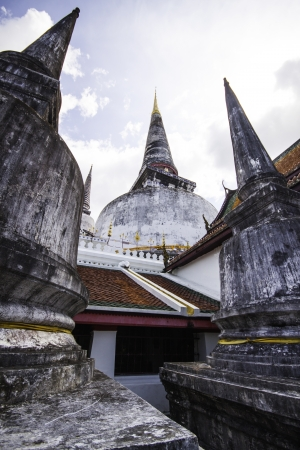 historical sites: Wat Phra Mahathat Woramahawihan is located on Ratchadamnoen Road in Tambon Nai Mueang  This is a royal temple of the first class  Formerly named Wat Phra Borom That, this is one of the most important historical sites in southern Thailand and in all of Tha Stock Photo