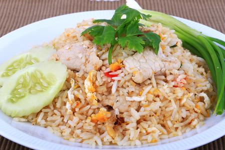 pollo frito: El arroz de Tailandia Estilo frito con carne de cerdo en Bangkok, Tailandia Foto de archivo