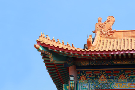 lengnoeiyi: A traditional chinese temple in Thailand decorated with mythological beasts