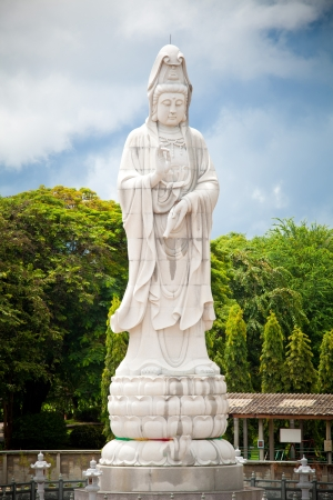 Kuan Yin image of buddha Chinese art photo