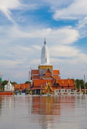 wat phutthaisawan temple flood in Ayuttaya, Thailand Stock Photo - 10846952