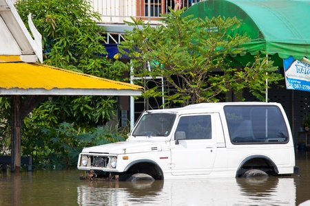 declared: Ayutthaya - 9 ottobre: ??Flood Thailandia dichiarata naturale disater 9 Ottobre, 2011 in Ayutthaya, Thailandia.