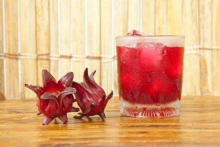 hibiscus flowers: Roselle or hibiscus juice, a drink for good health