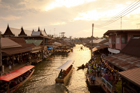 Floating market on sunset, Amphawa Thailand Stock fotó