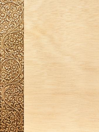 Muster der Blume geschnitzten Rahmen auf weißem Hintergrund Standard-Bild - 17984866