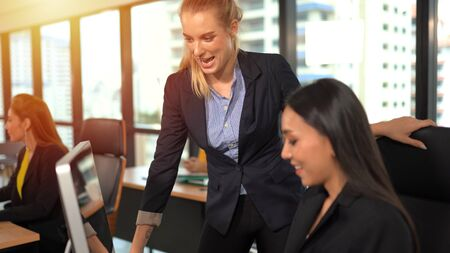 Business woman training in the business office 版權商用圖片 - 134716331
