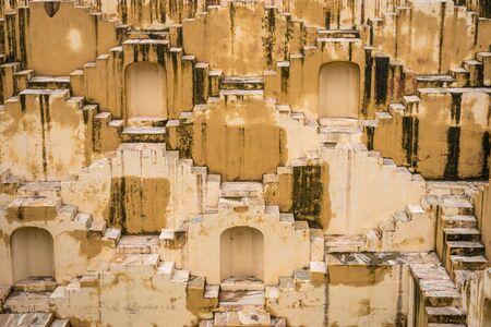 Panna Meena Ka Kund stepwell in Jaipur, Rajasthan, India 版權商用圖片 - 134715342