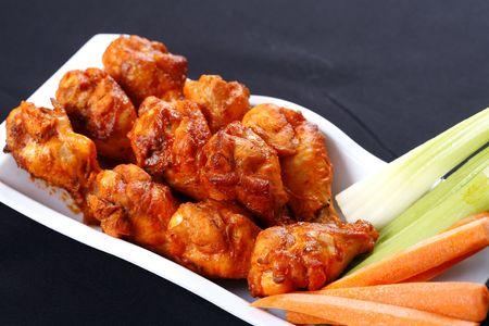alitas de pollo: alas de pollo  Foto de archivo