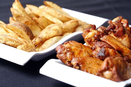 chicken wings and potato wedges combo