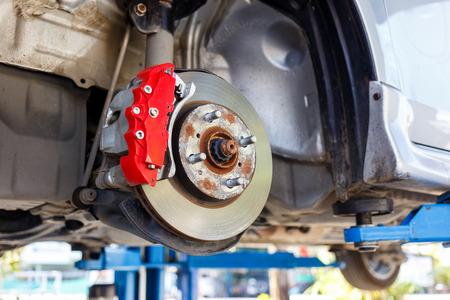 フロント ディスク ブレーキ組立修理