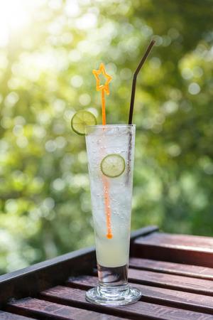 cocktails: Lemon juice