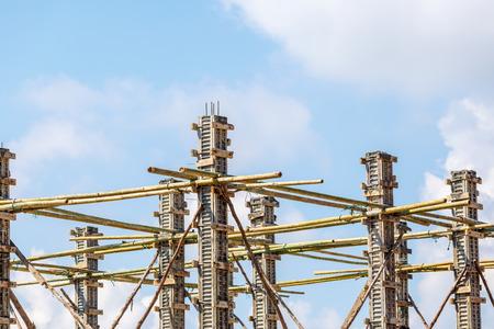 dangerouse: concrete pillar mold for house construction