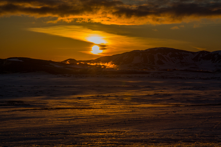 Sunset on a sulfur field on the top of a mountain in iceland Stockfoto