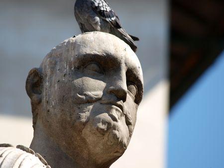 lorenzo:   Piazza San Lorenzo - Florence