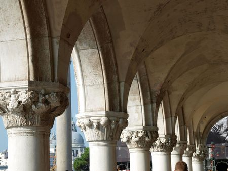 doges  palace:  Venice - Doges Palace - The capitals of the columns        Stock Photo