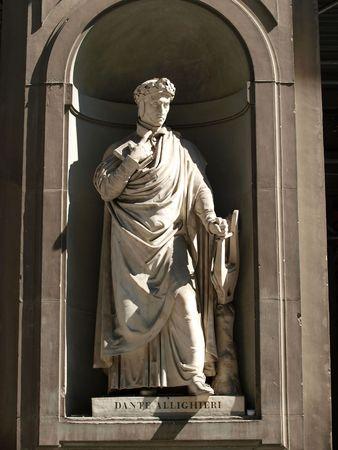 dante alighieri:  Dante Alighieri in the Niches of the Uffizi Colonnade, Florence
