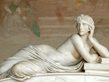 women subtle: Pisa Campo Santo: Detail from Tomb of Ottaviano Fabrizio Mossotti (1791 - 1863), italian mathematician, physicist and astronomer. The reclining figure represents the Science.  Gentle beauty immortalised in marble Stock Photo