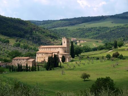 montalcino: Sant Antimo Abbey near Montalcino in Tuscany, Italy Stock Photo