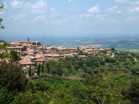 agriturismo: Montalcino - old architecture and fine wine Stock Photo
