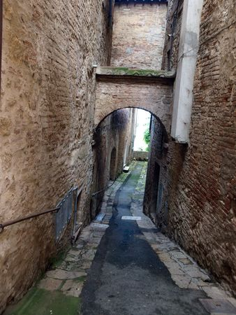 agriturismo: Montepulciano - the narrow streets of the historic city center Stock Photo