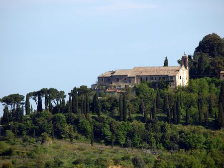 chiantishire: Villa in Tuscany amongst vineyards and an olive groves