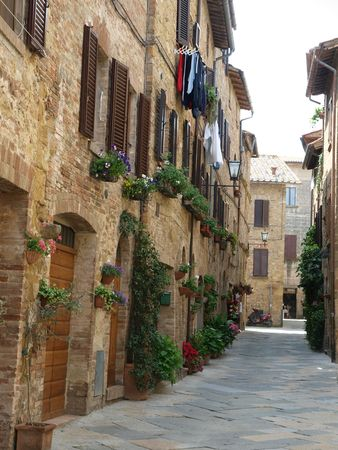 The town of Pienza is a small pearl in the Tuscan countryside. Stock Photo - 7919527